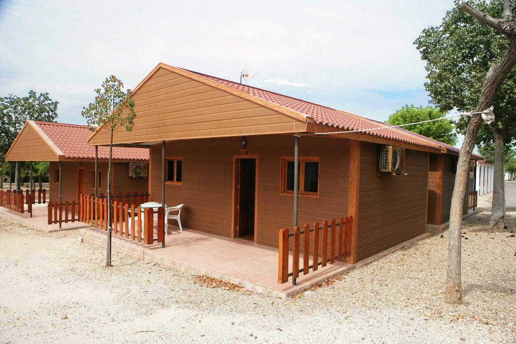 Caba a madera camping carlos iii for Cabana madera precio