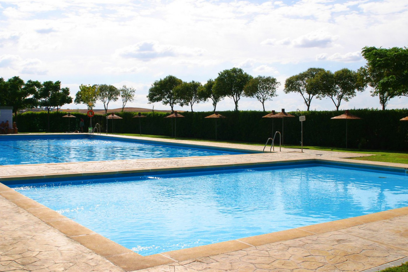 Piscine camping carlos iii for Piscine pour camping